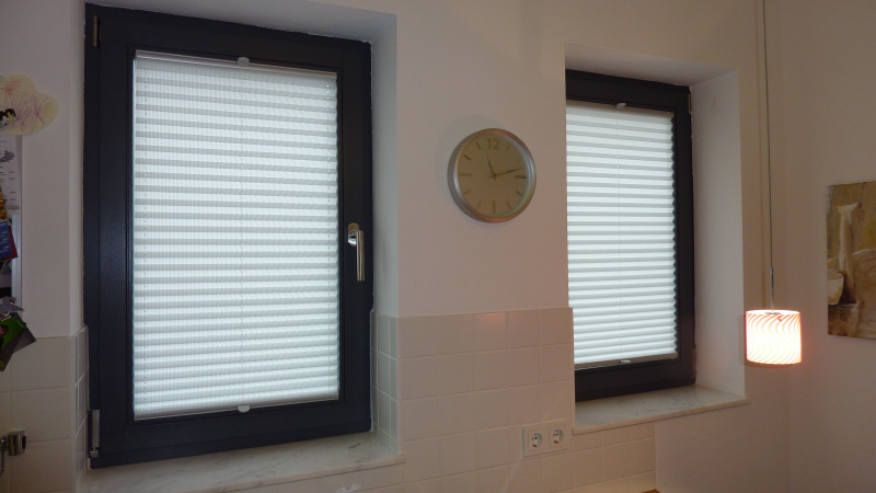 plissee rundfenster stunning plissee fr with plissee rundfenster simple fr fenster die rund. Black Bedroom Furniture Sets. Home Design Ideas